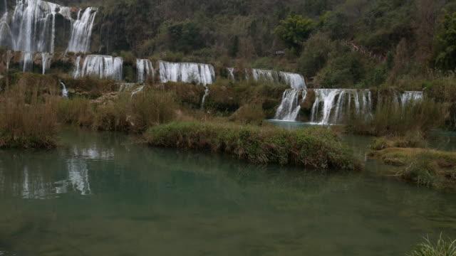 Uitzicht op prachtige met Jiulong waterval in Luoping, China