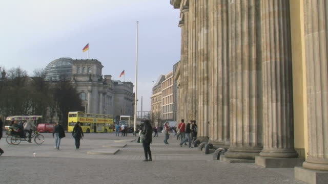 WS View of Brandenburg Gate and Reichstag / Berlin, Germany