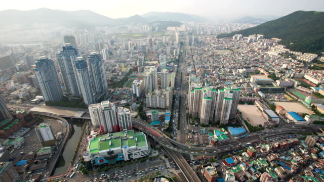 View of building and traffic moving in Munjeonkyochalo crossroad