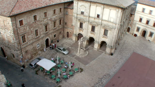 WS View of cafe from rooftop / Montepulciano, Tuscany, Italy