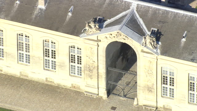 CU AERIAL ZO View of Chantilly Stables / Picardy, France