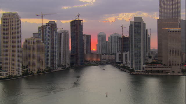 WS ZI TU POV View of city skyscrapers and skyline at sunset / Miami, Florida, USA