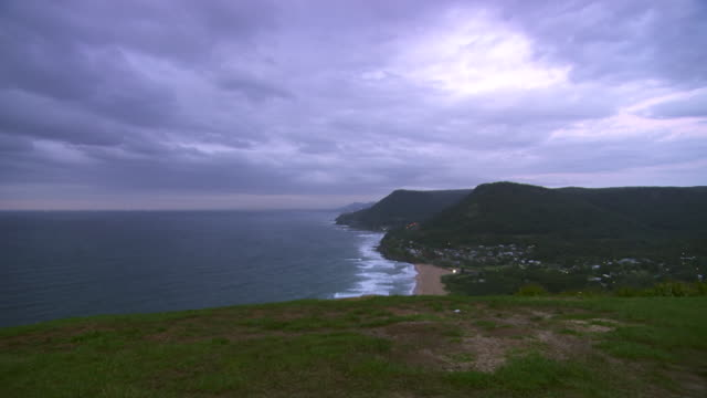 WS ZI View of Coastline at dawn / Sydney, New South Wales, Australia