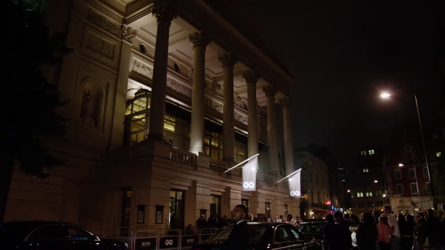 WS View of event scene outside Royal Opera House / London, United Kingdom
