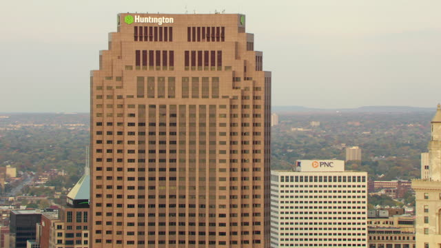 WS TU ZO AERIAL View of Huntington Bank Building in downtown / Cleveland, Ohio, United States