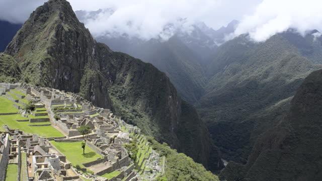 WS PAN View of  Inca ruins mountain / Machu Picchu, Peru