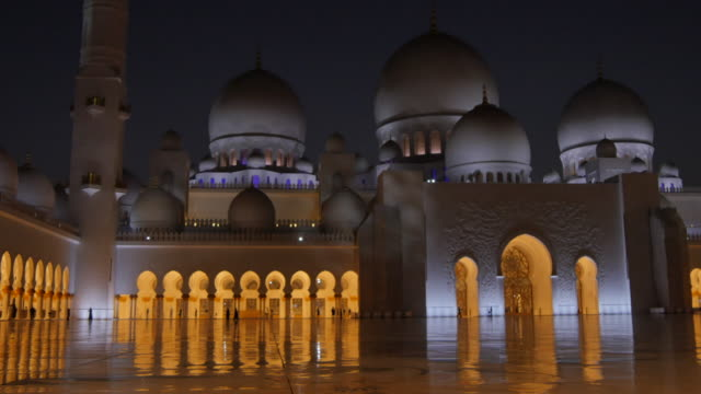 View of interior Sheikh Zayed Grand Mosque at night, Abu Dhabi, United Arab Emirates, Middle East, Asia