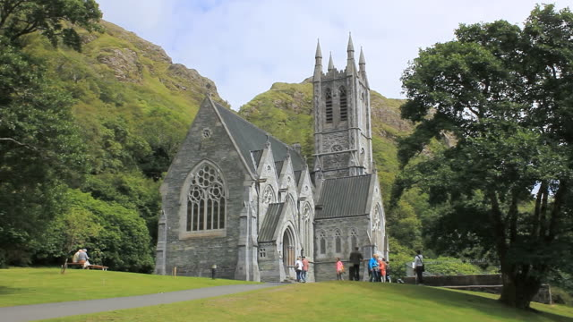 WS View of Kylemore Abbey, Benedictine monastery founded in 1920 on grounds of Kylemore Castle / Kylemore, connemara, Ireland