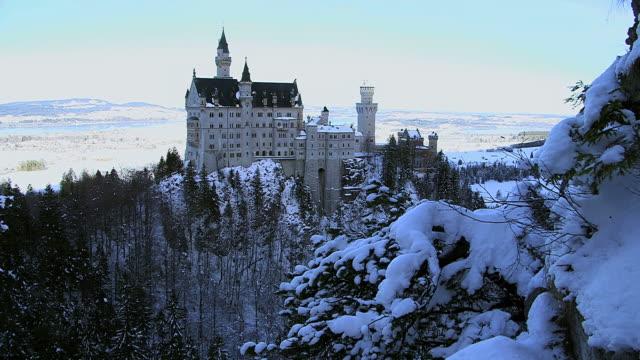 WS View of Neuschwanstein Castle near Fussen / Hohenschwangau, Bavaria, Germany