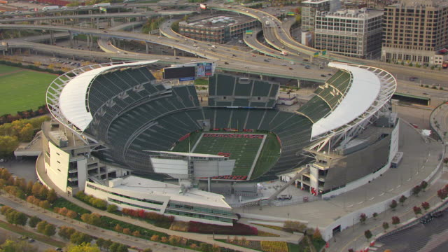 view-of-paul-brown-football-stadium-cincinnati-ohio-united-states-video-id179625862?s=640x640