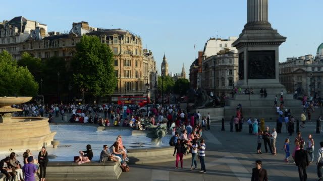 WS T/L View of People at Trafalgar Square / London, United Kingdom