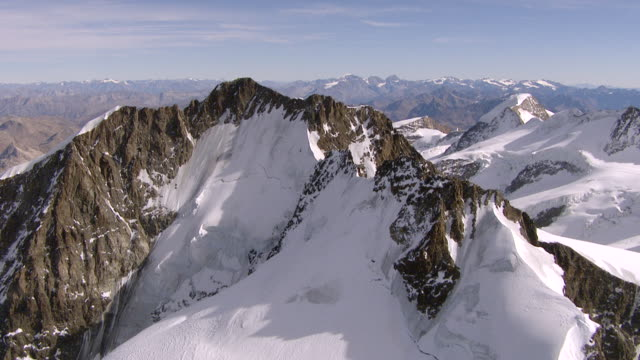 WS AERIAL PAN View of Piz bernina and pers glacier with piz palu, bellavista and piz zupo / Piz Bernina, Upper Engadin, Switzerland