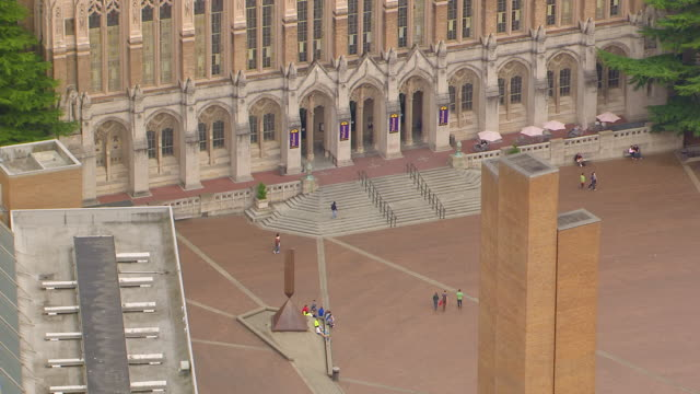 WS AERIAL ZO View of Red Square outside Suzzallo library at University campus / Seattle, Washington, United States