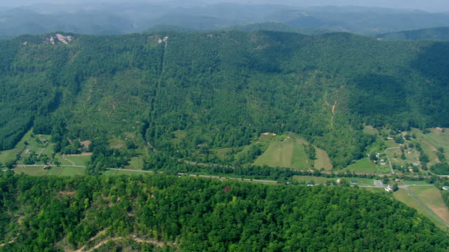 WS AERIAL ZI View of rural area / Tennessee, United States