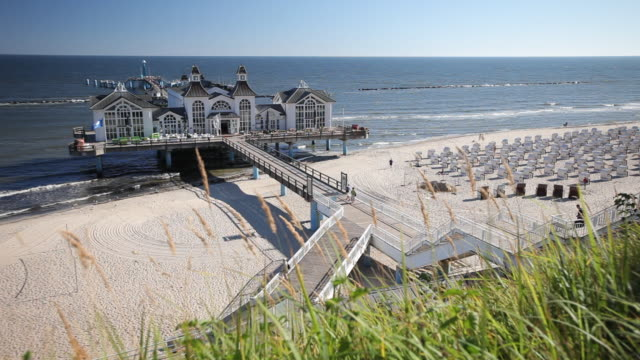 WS View of Sellin Pier with beach / Sellin, Island of Rugen, Mecklenburg Vorpommern, Germany