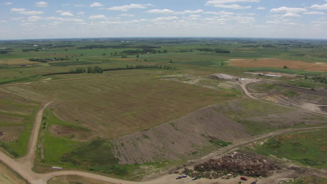 WS AERIAL View of Sioux Falls landfill / Sioux Falls, South Dakota, United States