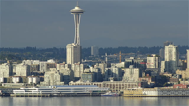 WS ZO T/L View of skyline of downtown in Seattle / Seattle, Washington, USA
