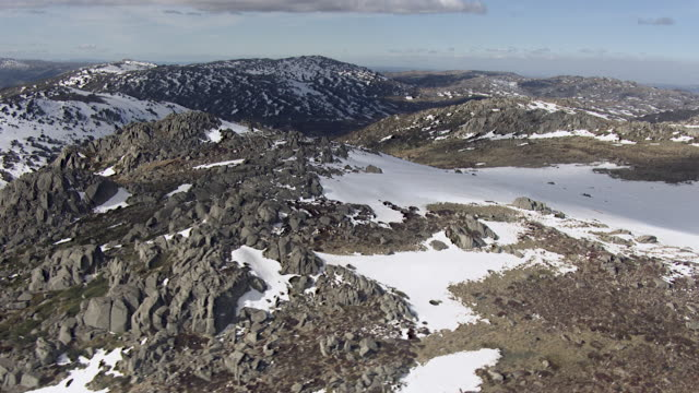 WS AERIAL View of snow covered mountains / Kings Cliff, New South Wales, Australia