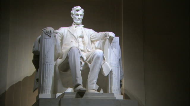 WS View of statue of Abraham Lincoln at Lincoln Memorial  / Washington DC, District of Columbia, USA