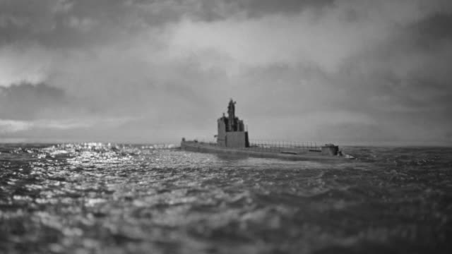 WS View of Submarine in ocean (miniature)