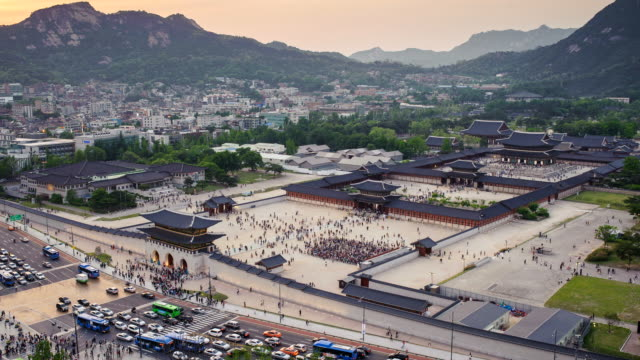 WS T/L View of sunset at Gyeongbokgung Royal Palace / Seoul, South Korea