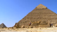 WS PAN View of tourist at Pyramid of Khafre / Giza, Egypt
