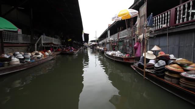 WS POV  view offloating markets   / Bangkok, Ratchaburi Provinvr, Thailand