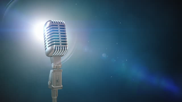 Retro-Mikrofon auf der Bühne/Endlos wiederholbar – 6,4 Kilometer