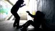 HD: Di violenza contro le persone rimaste senza tetto