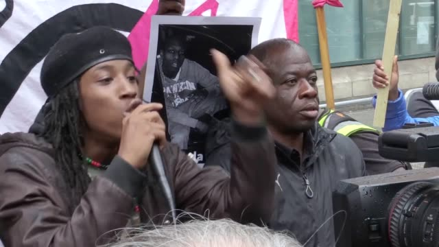 Violence on the streets of east London was 'separate' from a protest over the death of a black man following a police chase Scotland Yard has said A...