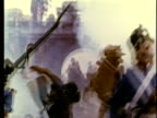1963 REENACTMENT MOPNTAGE Violent battle during the Mexican-American War / Republic of Texas / AUDIO