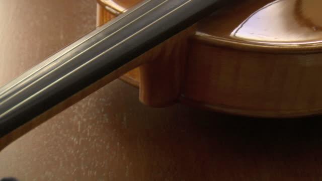 Violine Dolly Blättern