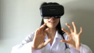 Virtual reality headset for healthcare practitioner