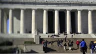 Visitors walk past the Lincoln Memorial in Washington DC US on Friday Nov 20 2015 Photographer Andrew Harrer/Bloomberg