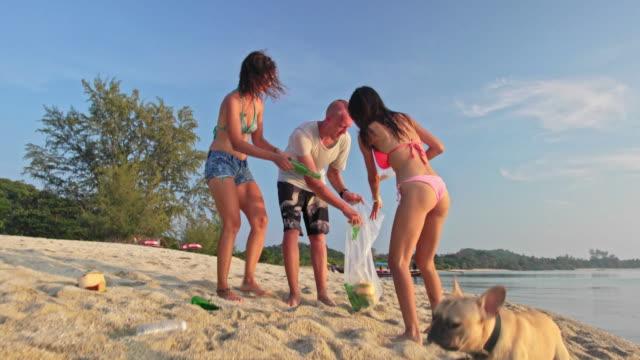 Freiwillige Reinigung der Strand 4 K