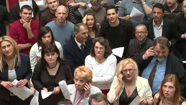 HD: Waiting People