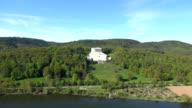Walhalla Tempel über Donau Tal Luftaufnahme der Überführung von