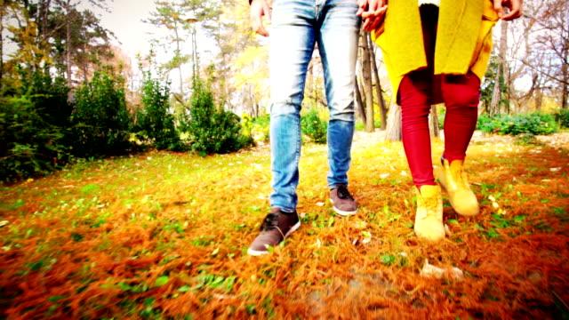 Wandelen in een bos.