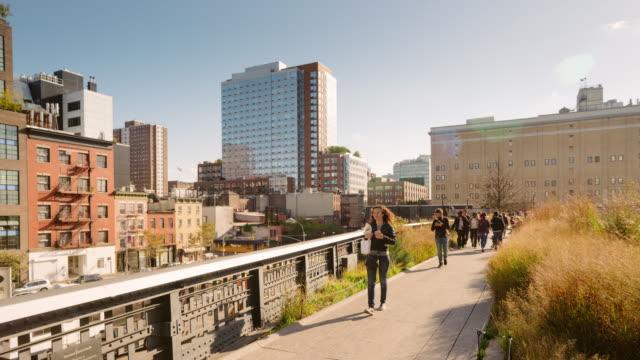 Der High Line Park hinunter