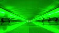 Wandelpad in de luchthaven time-lapse 4K