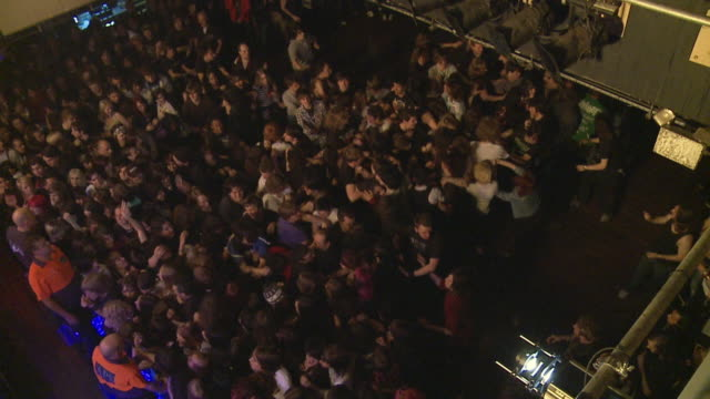 SLO MO WS HA 'Wall of death' at popular hard rock concert / London, United Kingdom