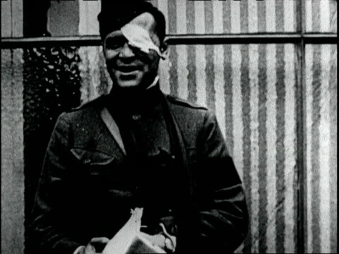 War correspondent Floyd Gibbons wounded at the war front during the battle of Belleau Wood passes through Paris on his way back to the US / Gibbons...