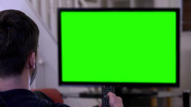 Guardare chroma chiave TV e cambiando canale.