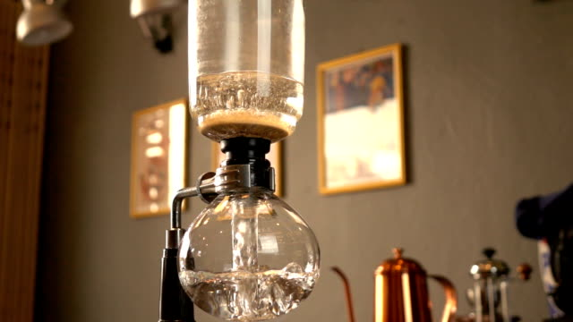 Water boiling in glass carafe