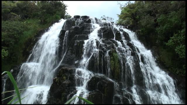 HD: Waterfall Cascades