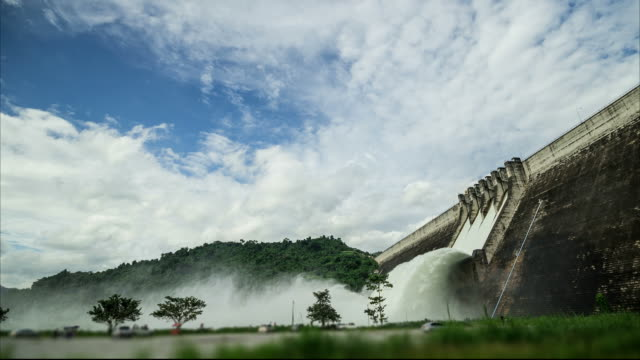Waterfall from the dam with cloud moving