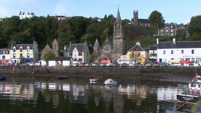 Tobermory United Kingdom  City pictures : Ws Waterfront Town With Church Tobermory Scotland United Kingdom Stock ...