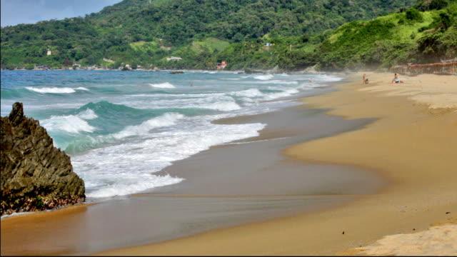 HD- Waves on a Tropical beach