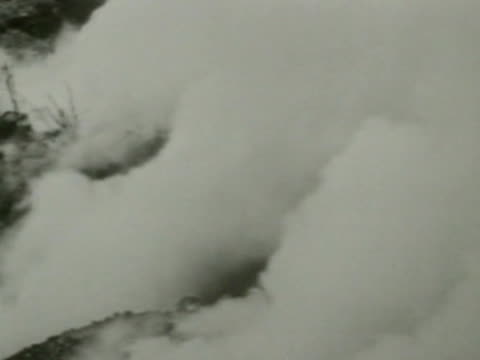 gas attack on battlefield tank charge