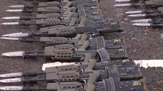Weapons / Guns laid down - HD & PAL
